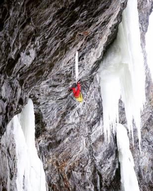Tim Emmett on first ascent of Fireball 101, M10 (Adam Tutte)