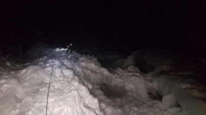 Night ascent (partial) and descent of Shannon Falls (Eric Hughes)