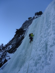Leading WI4 ice on The Plum (Wes Dyck)