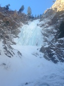 Approach and overview of Honeyman Falls (Francis St-Pierre)
